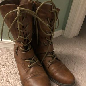 Brown Combat Boots (Zip up on side)